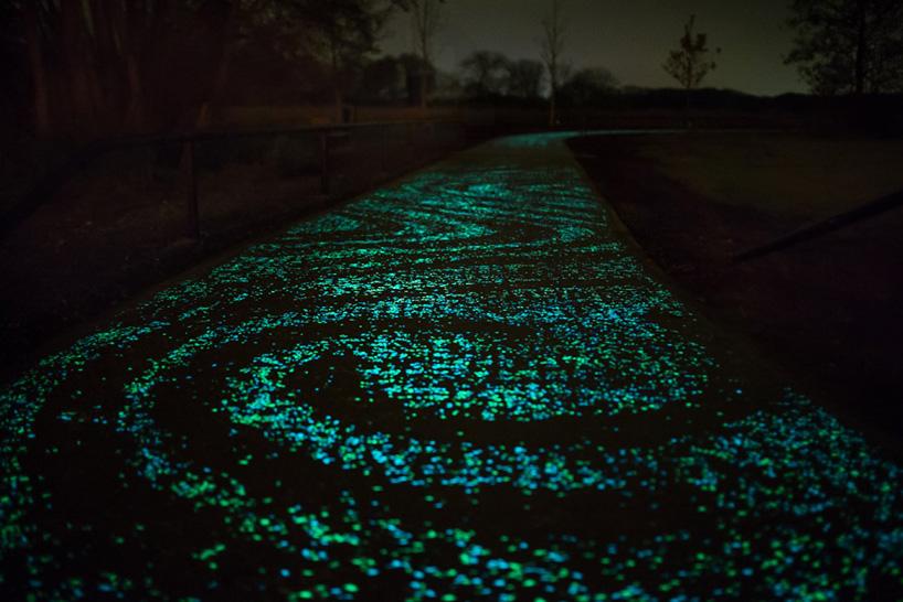 daan-roosegaarde-opens-solar-powered-van-gogh-bike-path-netherlands-designboom-03